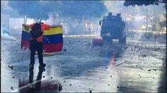 .@We Love Ellen! This sunday, please Help us taking a stand against repression in Venezuela  #OscarsForVenezuela pic.twitter.com/HpQSIFYDOm