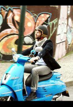 ¿Ya conoces el nuevo navegador de TomTom para tu scooter?  #scooter #TomTom #navegador #Vespa #GPS