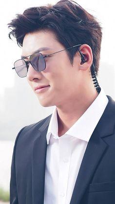 Ji Chang Wook Abs, Ji Chang Wook Smile, Ji Chang Wook Healer, Ji Chan Wook, Korean Drama Romance, Korean Drama Stars, Korean Drama Quotes, Korean Celebrities, Korean Actors