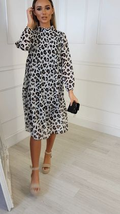 Lima High Neck Midi Shift Dress at ikrush Best Casual Dresses, Stylish Dresses, Simple Dresses, Girls Fashion Clothes, Fashion Outfits, Latest African Fashion Dresses, Looks Style, Classy Dress, The Dress