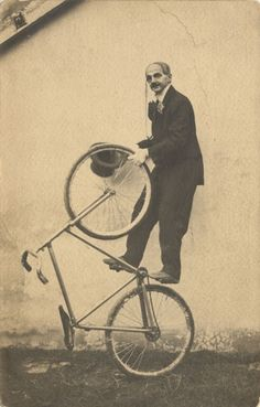 Fixed Gear Freestyle Bycicle Vintage, Bycicle Art Cool Bicycles, Vintage Bicycles, Mountain Bicycle, Mountain Biking, Bici Fixed, Bike Photography, Buy Bike, Cool Bike Accessories, Bike Seat