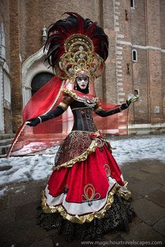 We help you make your trip to Italy, Venice memorable and interesting. We picked the most popular Venice attractions and present them to you with stunning images. Venetian Costumes, Venice Carnival Costumes, Venetian Carnival Masks, Carnival Of Venice, Venetian Masquerade, Masquerade Ball, Dark Fantasy Art, Venice Attractions, Costume Carnaval