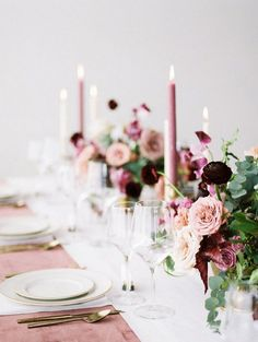 Our Latest Wedding Color Crush: Mauve Rose wedding table decor: Photography: Jamie Rae Photo - jamie Dusty Rose Wedding, Maroon Wedding, Purple Wedding, Floral Wedding, Wedding Flowers, Spring Wedding, Fall Flowers, Burgundy Flowers, Wedding Bouquets