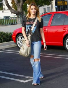 Miley Cyrus Fashion and Style - Miley Cyrus Dress, Clothes, Hairstyle - Page 16