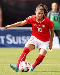Ramona Bachmann - Swiss international footballer Referee, Lesbians, Sports Women, Running, Actresses, Keep Running, Why I Run, Lob, Lesbian