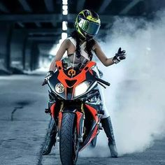 Burnout!✊ Hot wcw @ann_niie BMW S1000RR Biker Chick #s1000rr#hp4#wcw#bikerchick…