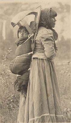 Suzie and Sadie McGowan, photographic icons of Yosemite. 1901 by J. T. Boysen.