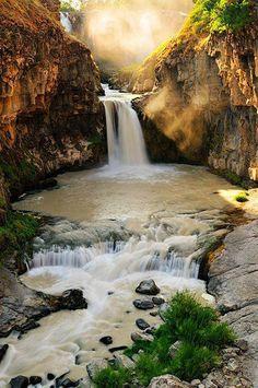 Burney Falls, State Park, Califiornia, USA.