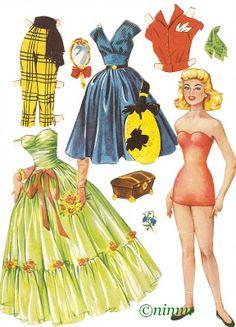 Barbie Paper Dolls, Barbie Toys, Vintage Paper Dolls, Doll Toys, Paper Flowers Craft, Flower Crafts, Paper Dolls Printable, Christmas Paper Crafts, Paper Fashion