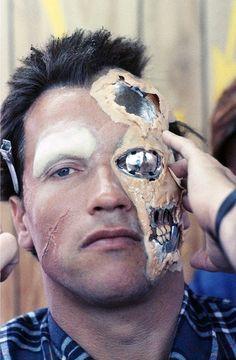 "theactioneer: ""Arnold Schwarzenegger, behind the scenes on The Terminator "" Terminator Makeup, Terminator 1984, Terminator Movies, Arnold Schwarzenegger, Scene Image, Scene Photo, King Kong, Movie Makeup, Party Makeup"