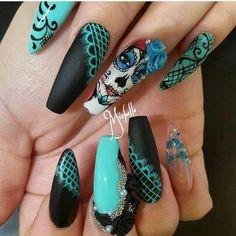 Dia de muertos nails