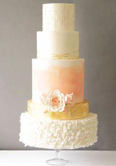 30 Stunning Metallic Wedding Cakes See Them All On Www Onefabday Glamorous