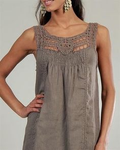 Col Crochet, Crochet Fabric, Crochet Blouse, Moda Streetwear, Streetwear Fashion, 70s Fashion, Fashion Dresses, Fashion Quiz, Fashion Pants