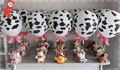 Ideas for birthday party ideas balloons mickey mouse Cow Birthday Parties, Farm Animal Birthday, Cowboy Birthday Party, Farm Birthday, Birthday Banners, Birthday Invitations, Petting Zoo Birthday Party, Farm Themed Party, Barnyard Party