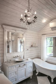 90 Awesome Lamp For Farmhouse Bathroom Lighting Ideas. See how to make this super simple farmhouse bathroom vanity light fixture on a budget! It's super easy to make & also super affordable! Country Bathroom Designs, Bathroom Interior Design, Tiny House Bathroom, Bathroom Styling, Shabby Chic Bathroom, French Country Bathroom, Amazing Bathrooms, Cottage Style Bathrooms, Cottage Bathroom