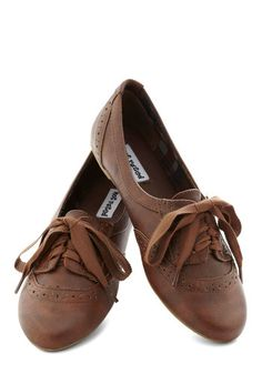 Natural Nonchalance Flat - Brown, Solid, Menswear Inspired, Flat, Good, Lace Up, Faux Leather, Scholastic/Collegiate Brown Sandals, Brown Oxfords, Strappy Flats, Shoes Sandals, Crazy Shoes, Me Too Shoes, New Shoes, Cute Shoes, Modcloth