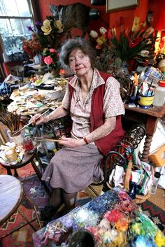 Painter Margaret Olley poses for a portrait session in her studio in Paddington on November 2005 in Sydney, Australia. Margaret Olley is one of Australia's most well known interior and still life painters. Australian Painters, Australian Artists, Artist Art, Artist At Work, Artist Painting, Drip Painting, Matisse, Famous Artists, Art Studios
