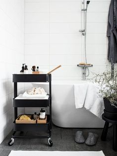 stand alone tub with black accents