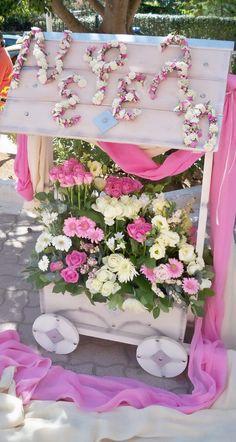 Christening Decorations, Wedding Decorations, Christmas Decorations, Diy And Crafts, Arts And Crafts, Cool Kids, Floral Arrangements, Floral Wreath, Wreaths