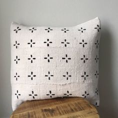 Black and White Small Tribal Cross African Mudcloth Pillow Cover - Custom Made White Pillow Covers, Decorative Pillow Covers, Cushion Covers, Throw Pillow Covers, Diy Pillows, Cushions, Throw Pillows, Black And White Pillows, Black White