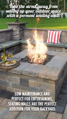 Take the stress away from setting up your outdoor space with a permanent seating wall! Low maintenance and perfect for entertain, seating walls are the perfect addition for your backyard. im garten videos Seating walls Fire Pit Seating, Wall Seating, Backyard Seating, Small Backyard Patio, Backyard Patio Designs, Fire Pit Backyard, Gas Outdoor Fire Pit, Fire Pit Under Pergola, Patio Fire Pits