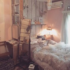 Living in the city and having a vegetable garden is not incompatible! Dream Rooms, Dream Bedroom, Room Interior, Interior Design, Minimalist Room, Room Goals, Vintage Room, Cool Rooms, My New Room