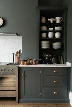 meubles de cuisine en bois de couleur gris, etagere murale cuisine en bois gris