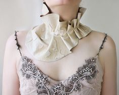 Contemporary art Jewelry and Tulle Ruff от Elyseeart на Etsy Fashion Sites, Women Lifestyle, Neck Piece, Ruffle Collar, Leather Collar, Unique Necklaces, Jewelry Art, Jewellery, Things To Buy