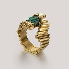 Exceptionnelle Emeraude and by Ornella Iannuzzi www.fldesig… Exceptionnelle Emeraude and by Ornella Iannuzzi www. Emerald Jewelry, Gems Jewelry, Jewelry Art, Jewelry Accessories, Fine Jewelry, Fashion Jewelry, Silver Jewellery, Emerald Rings, Ruby Rings