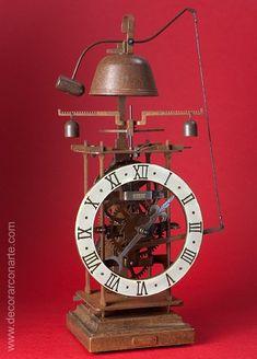 Clock Gothic, 15th century. Desktop in iron model. 41x20cm - Objects art Mantel Clocks, Old Clocks, Antique Clocks, Wooden Gear Clock, Wooden Gears, Unusual Clocks, Mechanical Clock, Clock Shop, Antique Watches