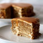 Bolo de Bolacha com Leite Condensado Cozido - Receitas e Menus © Dessert Recipes, Desserts, Cheesecake, Food And Drink, Cooking, Sweet, Portuguese, Creme, Gallery