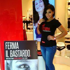 """@Yamamay España - ... Ferma il bastardo! #Yamamay is on front line against violence on women#  Dopo la Vogue Fashion Night Out a MILANO e FIRENZE oggi a NAPOLI, un epilogo straordinario per la campagna """"Ferma il bastardo"""" lanciata da Yamamay per sensibilizzare le persone sul tema della violenza e degli abusi sulle donne. Per sottolineare il legame tra moda e responsabilità sociale la campagna ha avuto il suo culmine con i flashmob organizzati per le due serate della Vogue Fashion Night Out…"""