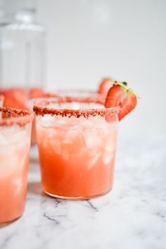This sparkling pitcher cocktail combines two favorite drinks - margaritas and sangria! Tequila Drinks, Fun Drinks, Campari Drinks, Beverages, Margarita Recipes, Cocktail Recipes, Fresh Lime Juice, Orange Juice, Gastronomia