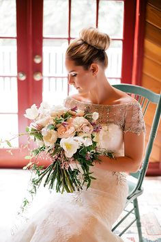 Unstructured Wedding Bouquet | Brides.com