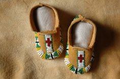 Beaded baby moccasins. Sioux pattern, deer hide.  #beadwork #NativeAmerican  $50.00