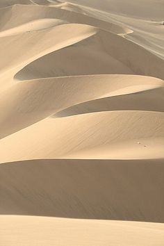 Champagne Beige / Sand Dunes in Huacachina, Peru Huacachina Peru, Magic Places, Beige Style, Color Beige, Nude Color, Patterns In Nature, Natural World, Amazing Nature, Belle Photo