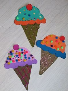 Pages and PAGES of construction paper crafts for kids....love those ice cream cones!
