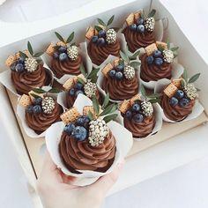Mini Cupcakes, Cupcake Cakes, Cake Business, Bakery Cakes, Cake Decorating Tips, Love Cake, Sweet Cakes, Pretty Cakes, Biscotti