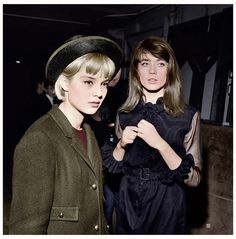 Sylvie Vartan and Françoise Hardy (colored) Françoise Hardy, Style Parisienne, Womens Clothing Stores, Clothing Websites, Women's Clothing, Look Chic, Role Models, Amazing Women, Style Icons