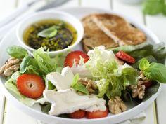 Lekkere maaltijdsalade - Libelle Lekker! Brie, Recipe Images, Recipe Ideas, Summer Salads, Feta, Veggies, Healthy Recipes, Healthy Food, Favorite Recipes