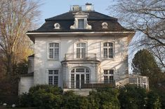 Bildergebnis für schöne alte villa
