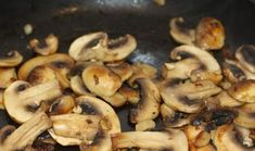 O salată demențială! Pun pariu că aceasta e rețeta pe care vei căuta s-o faci mereu de sărbători? - Bucatarul Vegan Recipes, Cooking Recipes, Stuffed Mushrooms, Salad, Camping, Vegetables, Food, Diet, Stuff Mushrooms