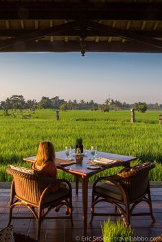 Breakfast with a view at the Chedi Club in Ubud, Bali. Travelling to Bali with kids turned out to be just as much fun as an adults only vacation. Our family loved our vacation together, read what our favorite things to do and places to go were! Okavango Delta, Ubud, Bali With Kids, Farm Restaurant, Best Boutique Hotels, Bamboo House, Farm Stay, Diy Tv, Outdoor Furniture Sets
