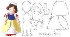 Blanca Nieves muñeca de fieltro