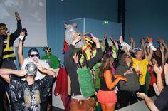 Spectacle totalement décalé organisé par les étudiants en MBA dans le cadre de leur séminaire d'intégration à l'Ecole de Savignac. Ce spectacle a permis aux étudiants créer une véritable cohésion de groupe au sein de leur promotion mais aussi de se faire connaître auprès des autres étudiants de l'Ecole dans une ambiance festive et pleine d'humour.