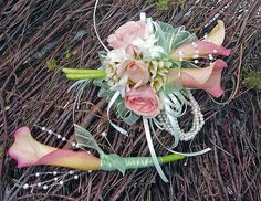 mint green, peach & pearls- girly girl! #prom flowers