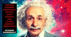 Tanti personaggi famosi sono diventati vegetariani. Einstein era vegano perchè i benefici dell' alimentazione vegetale fanno bene alla salute dell' uomo, dell' ambiente e degli animali.