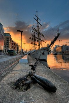 The Docks ⚓ Dublin, Ireland.
