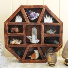 This beautifully handcrafted 'Octagon Shelf' is made from 100% recycled Australian timber. Measurements: L: 32cms x H: 32cms x W: 7cmsThese shelves are the perfect way to display your most treasured crystals, minerals, gemstones, jewellery, shells or other trinkets. *crystals not included*