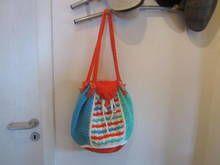 Häkelanleitung für eine Tasche in sommerlichen Farben